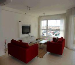 краткосрочная аренда 4 ком. квартиры в Герцлии-Питуах Цена от  $600 до $10,000